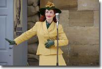 Lola Lamour, Wartime weekend, Pickering